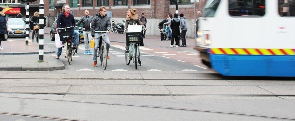 als fietser aangereden door tram letselschade advocaat amsterdam