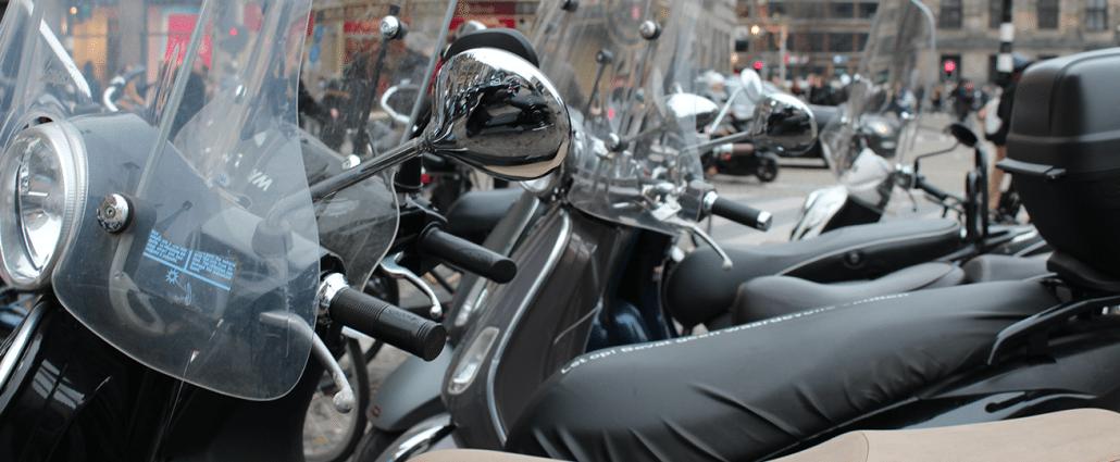 Scooter-ongeluk door scooter motor auto letselschade advocaat amsterdam letsel letselschade