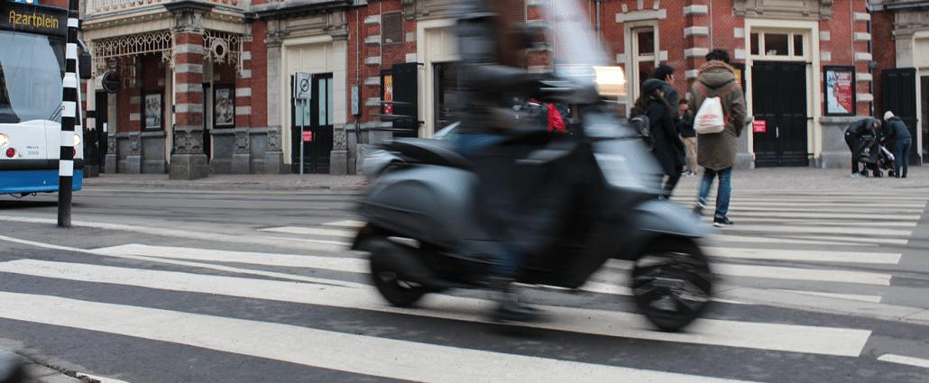 aangereden door scooter voetganger letselschade advocaat amsterdam aanrijding ongeluk