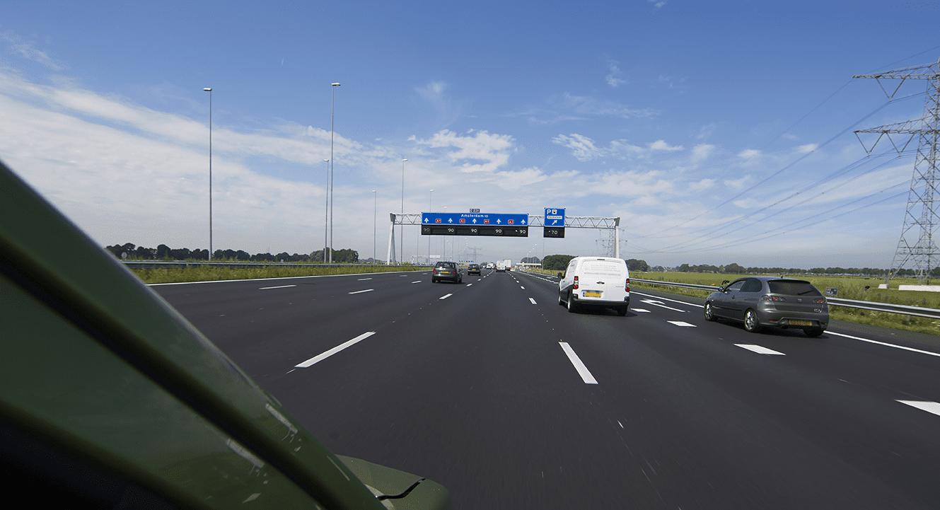 Snelweg A10 west krijgt nieuw asfalt